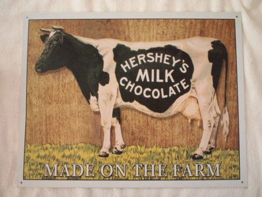 ハーシーズチョコレートの牛看板