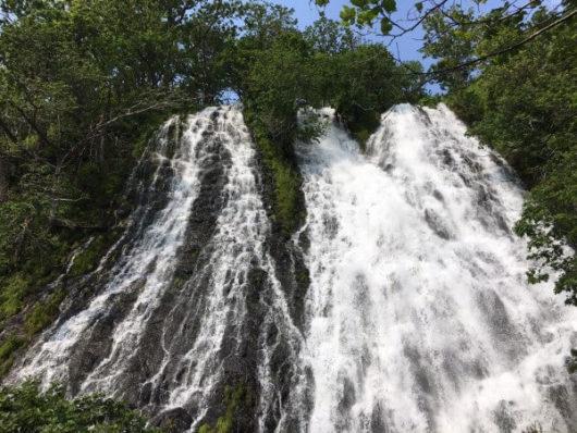 北海道斜里郡『知床半島:オシンコシンの滝』