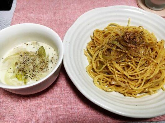 北海道の一人暮らし料理:ツナのパスタ&玉ねぎとエノキのスープ