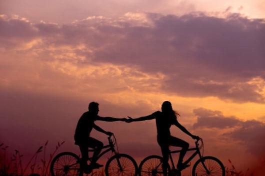 男が結婚するメリット:苦しくて辛いときには支えてくれる